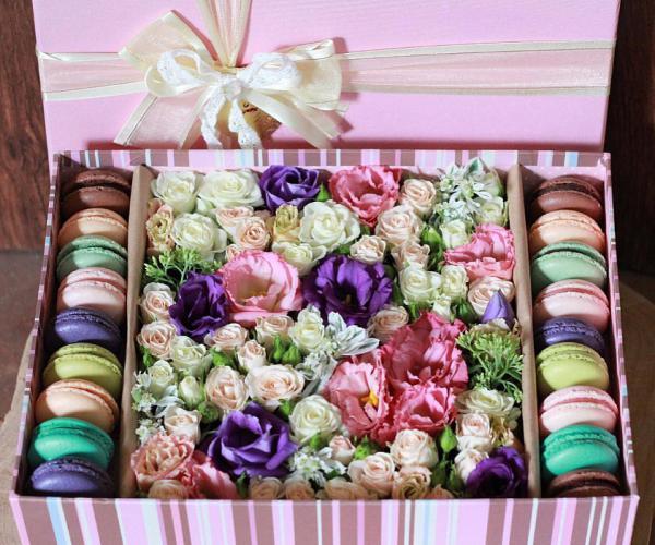 Коробки с цветами и печеньем своими руками 1114